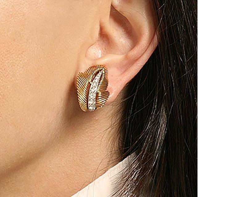 Van Cleef & Arpels Mid-20 Century Diamond Platinum Gold Leaf Earrings 6