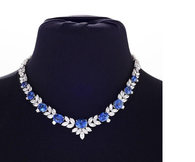 1980s Sapphire Diamond Platinum Necklace In Excellent Condition For Sale In New York, NY