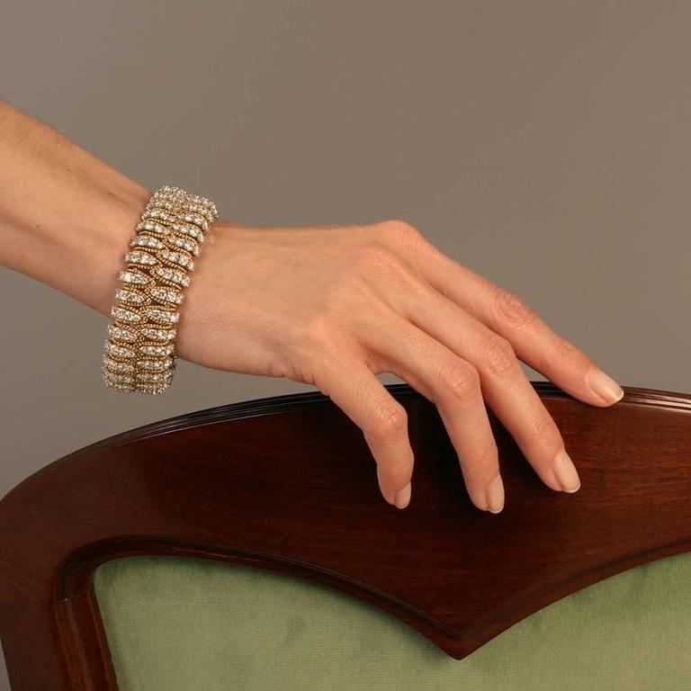 Flexible Gold and Diamond Bracelet  For Sale 1