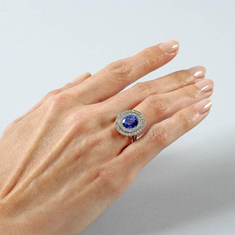 Blue Sapphire Diamond and Platinum Cluster Ring For Sale 4