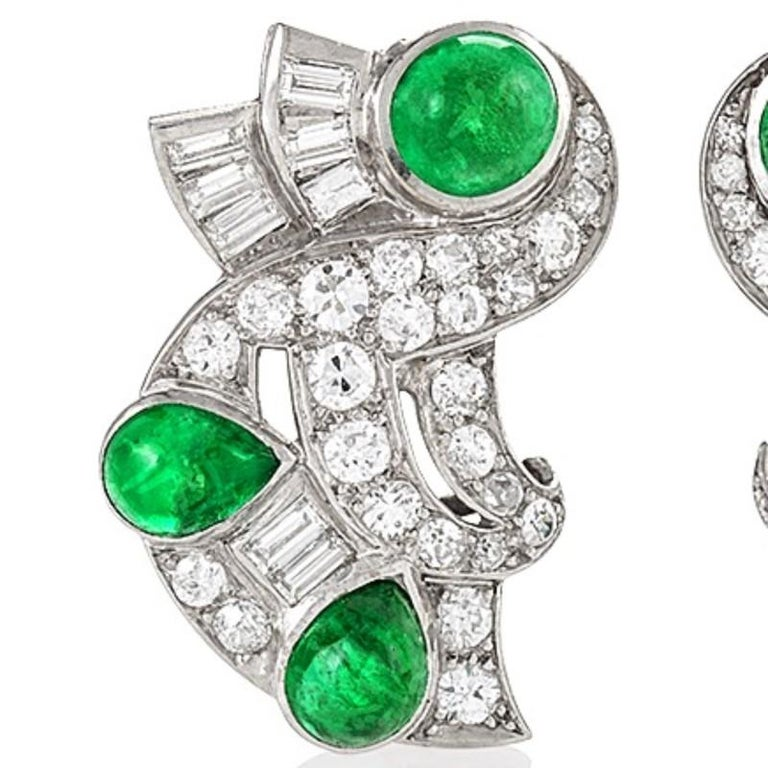 Retro Diamond Emerald and Platinum Earrings In Excellent Condition For Sale In New York, NY