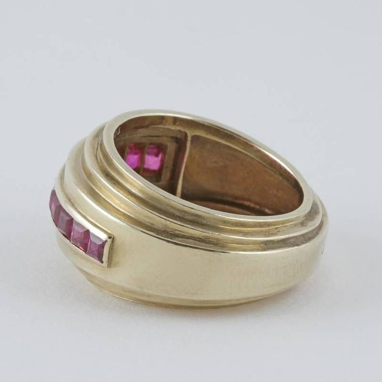 Women's Van Cleef & Arpels Paris 1930s Art Deco Ruby and Gold Ring For Sale