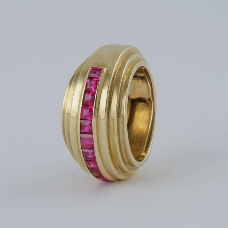 Van Cleef & Arpels Paris 1930s Art Deco Ruby and Gold Ring For Sale 1
