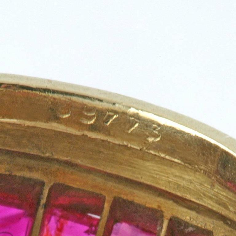 Van Cleef & Arpels Paris 1930s Art Deco Ruby and Gold Ring For Sale 4