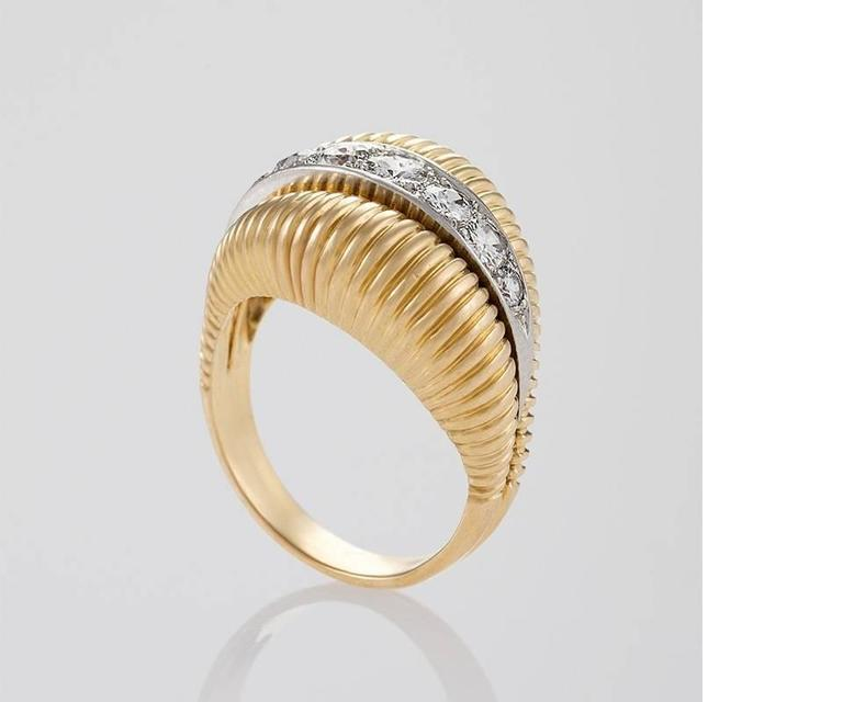 Van Cleef & Arpels 1950's Diamond Gold Platinum Ring In Excellent Condition For Sale In New York, NY