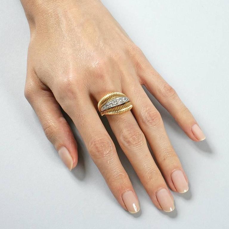 Van Cleef & Arpels 1950's Diamond Gold Platinum Ring For Sale 5