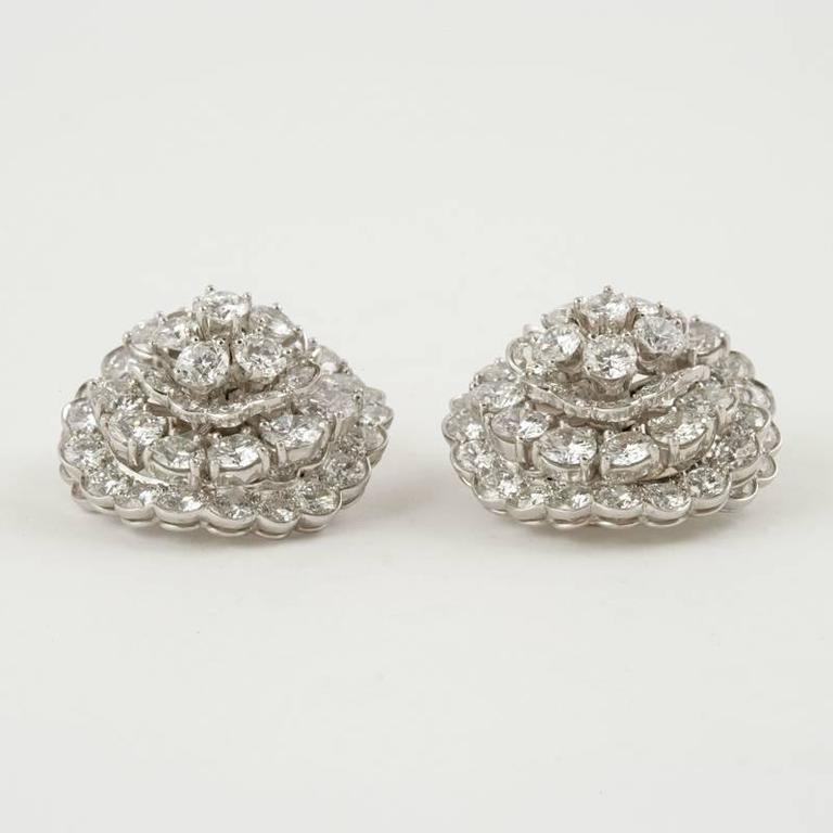 Van Cleef & Arpels Late-20th Century Diamond, Platinum and Gold Earrings 4