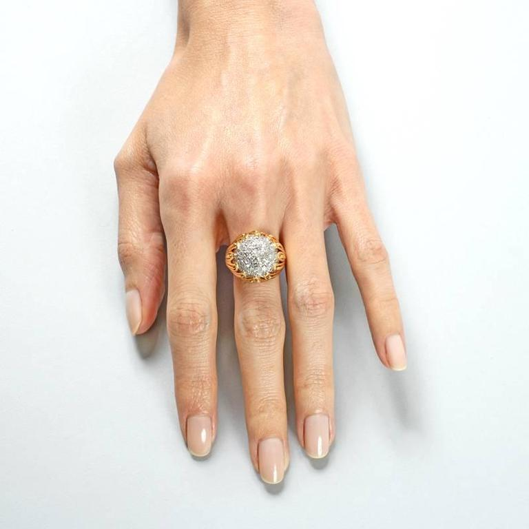 Van Cleef & Arpels 1960's Diamond and Gold Ring For Sale 5