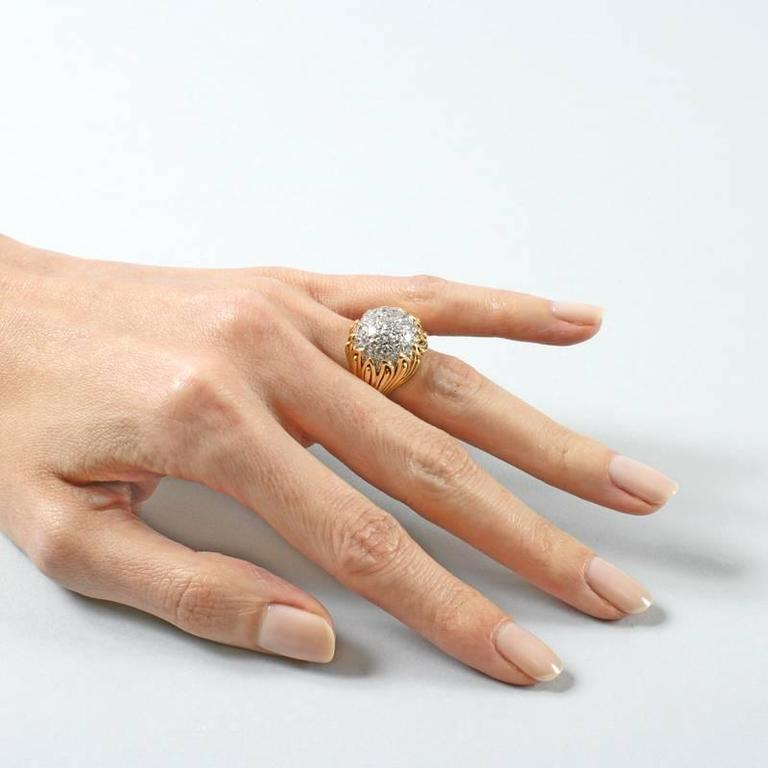 Van Cleef & Arpels 1960's Diamond and Gold Ring For Sale 6