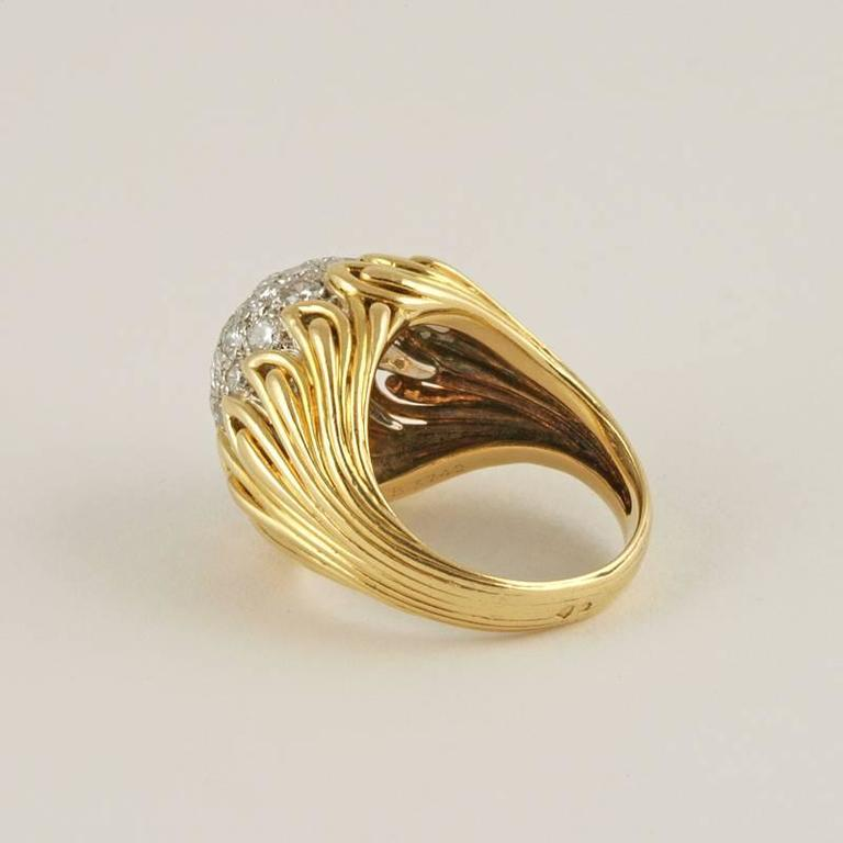 Van Cleef & Arpels 1960's Diamond and Gold Ring For Sale 1