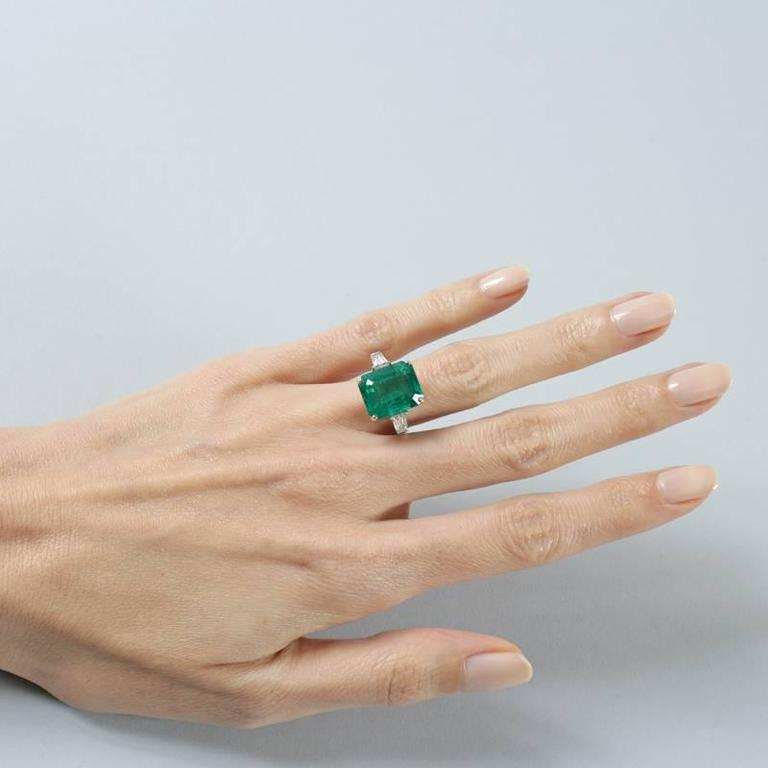Women's Colombian Emerald and Diamond Ring  For Sale