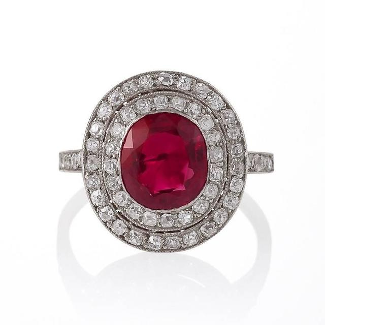 Art Deco Burma Ruby, Diamond and Platinum Ring In Excellent Condition For Sale In New York, NY