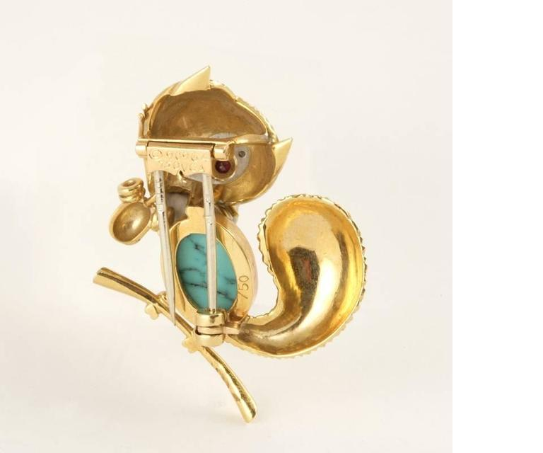 Van Cleef & Arpels Paris Turquoise, Ruby, Diamond, Gold Squirrel Brooch In Excellent Condition For Sale In New York, NY