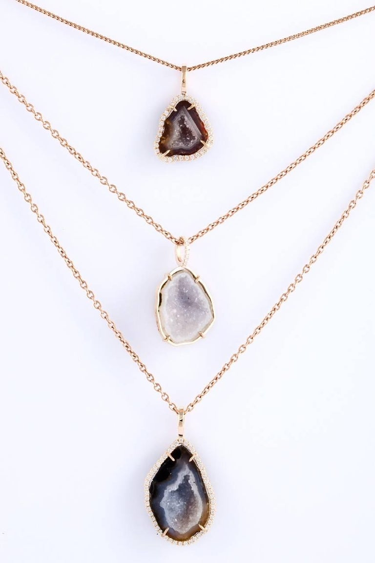 Karolin Rose Gold White Diamond Pendant Agate Necklace In New Condition For Sale In Antwerp, BE