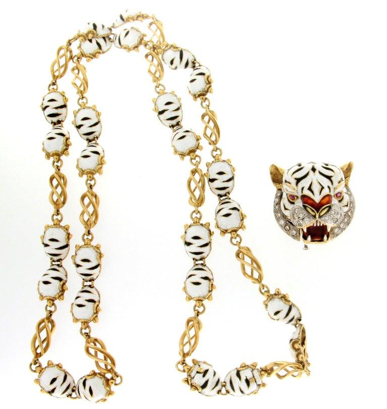 Frascarolo Enamel 18 karat Yellow Gold Diamonds Tiger Pendant Necklace For Sale 2