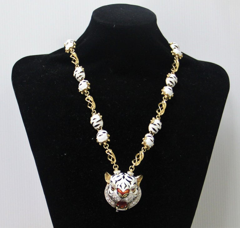 Frascarolo Enamel 18 karat Yellow Gold Diamonds Tiger Pendant Necklace For Sale 7