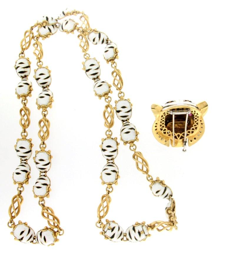 Frascarolo Enamel 18 karat Yellow Gold Diamonds Tiger Pendant Necklace For Sale 4