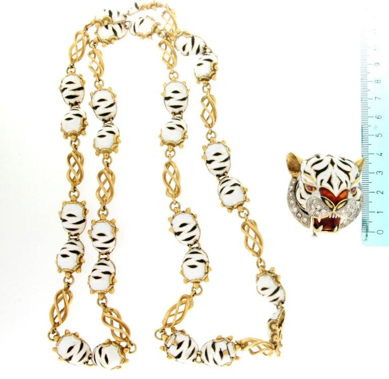 Frascarolo Enamel 18 karat Yellow Gold Diamonds Tiger Pendant Necklace For Sale 5