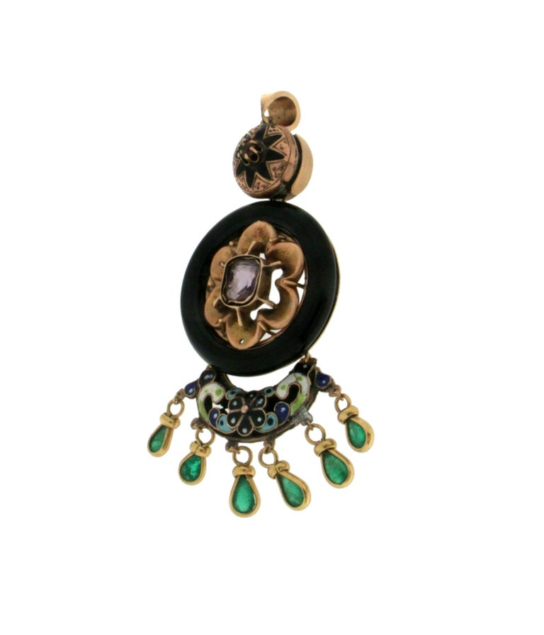 Enamel 14 Karat Yellow Gold Emerald and Onyx Pendant Necklace In New Condition For Sale In Marcianise, IT
