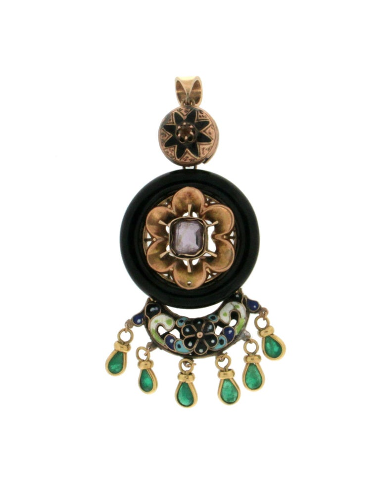 Women's or Men's Enamel 14 Karat Yellow Gold Emerald and Onyx Pendant Necklace For Sale