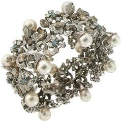 Fancy Diamonds 18 Karat White Gold Japan Pearls Cuff Bracelet