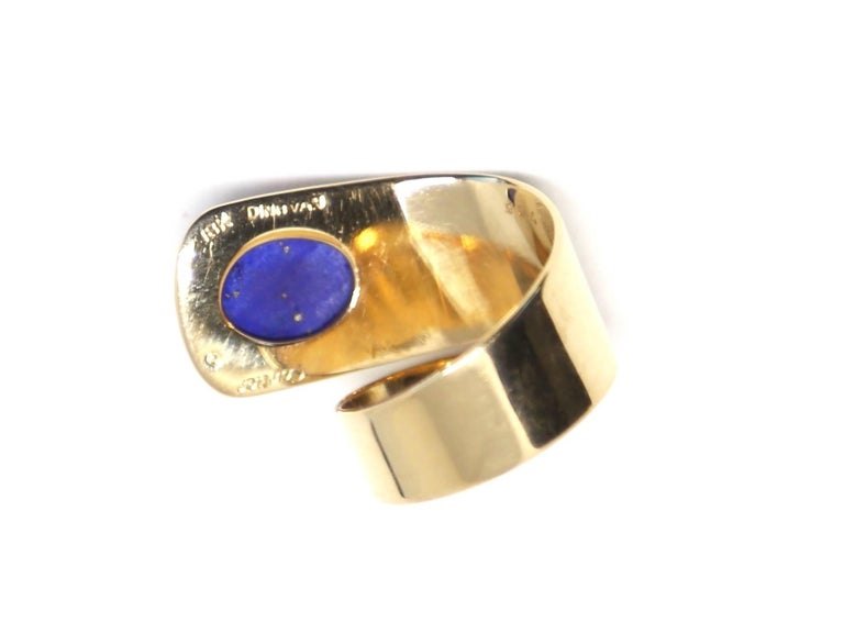 1960s Cartier Dinh Van 18 Karat Gold and Lapis Lazuli Modernist Ring In Excellent Condition For Sale In Oakland, CA
