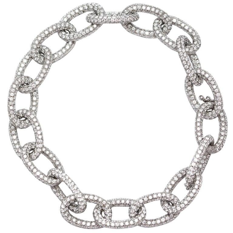18.00 Carat Round Diamond 18 Karat White Gold Pave Set Diamond Chain Bracelet