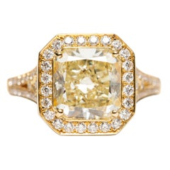 GIA Certified 3.47 Carat Radiant Round 18 Karat Yellow Gold Engagement Ring