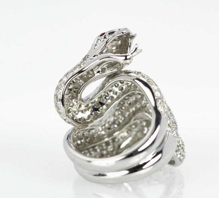 Round Cut Diamond 18 Karat Snake Ring 4.66 Carat Two Ruby Eyes For Sale