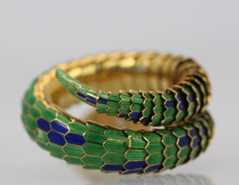 Women's Enamel Articulated Snake Serpent Bracelet Diamond Head 18 Karat For Sale