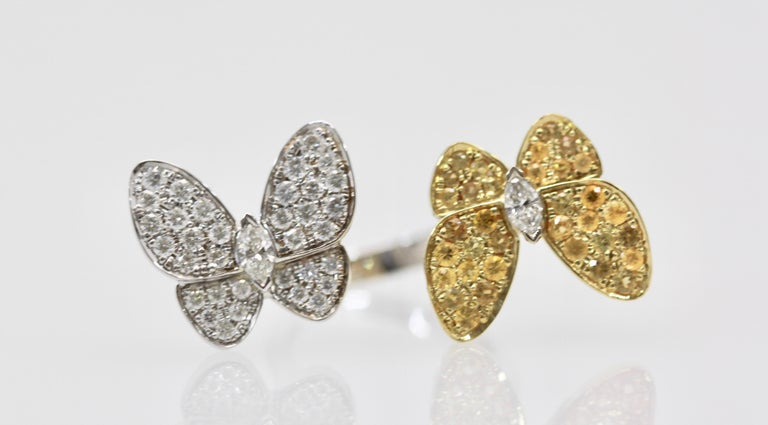 Van Cleef White Diamond Yellow Sapphire Double Butterfly Ring In Good Condition For Sale In North Hollywood, CA