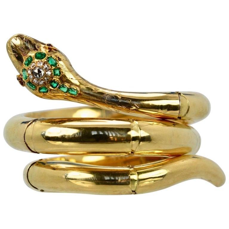 Vintage 18 Karat Emerald Diamond Head Triple Wrap Snake Serpent Bracelet For Sale
