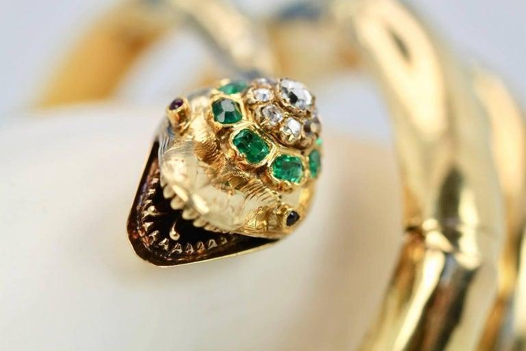 Vintage 18 Karat Emerald Diamond Head Triple Wrap Snake Serpent Bracelet For Sale 1