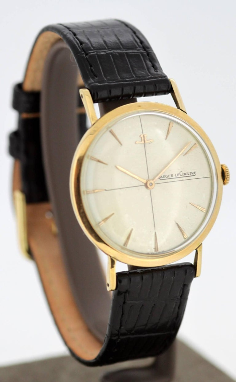 Jaeger-LeCoultre Vintage 18 Karat Gold Manual Winding Wristwatch, circa 1960s In Excellent Condition For Sale In Braintree, GB