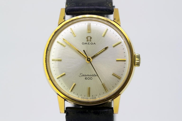 Women's or Men's Omega Seamaster 600, Vintage Manual Winding Men's Wristwatch, circa 1960s For Sale