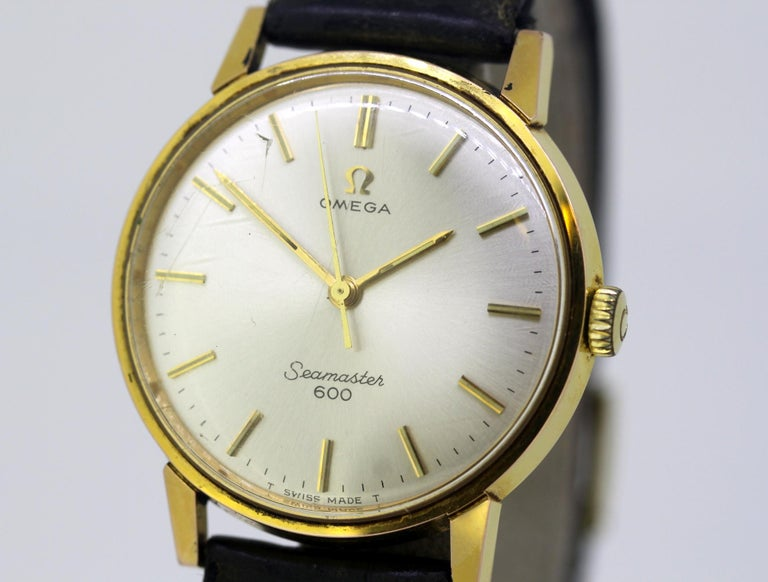 Omega Seamaster 600, Vintage Manual Winding Men's Wristwatch, circa 1960s In Good Condition For Sale In Braintree, GB
