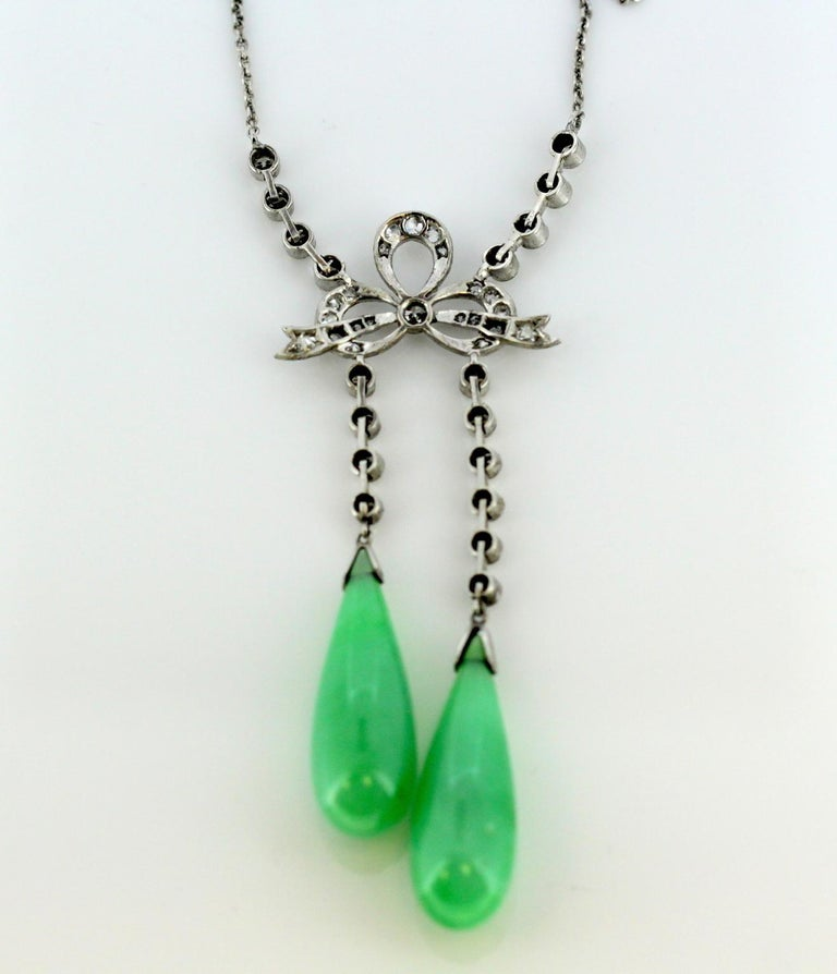 Art Deco Platinum Ladies Necklace with Jade and Diamonds, France, circa 1920 For Sale 2