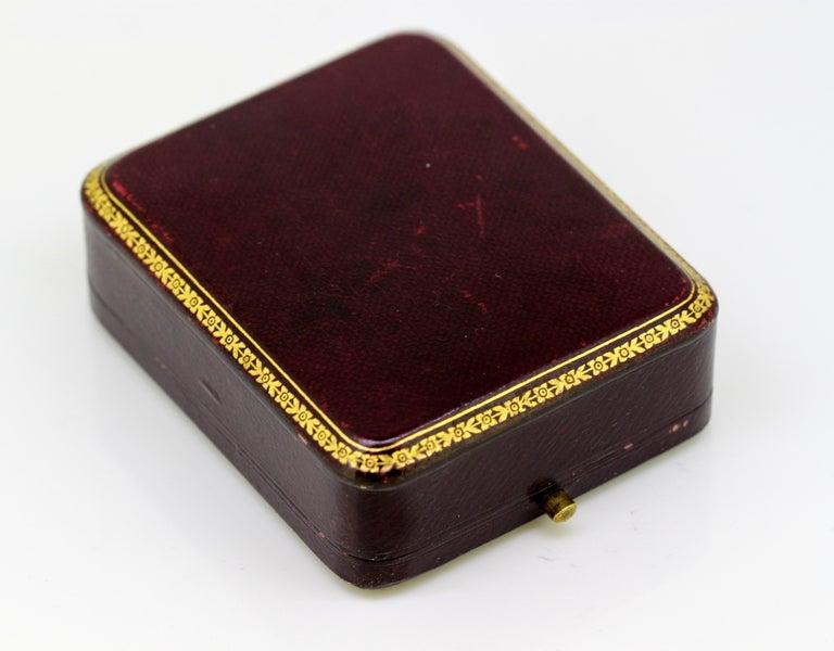 J. Mandereau / Maison Molgatini - 18k gold emerald and baroque pearl desk seal For Sale 9
