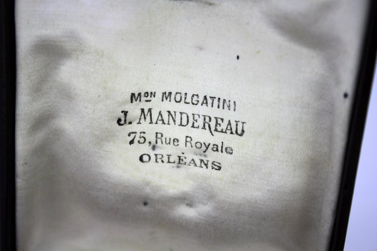 J. Mandereau / Maison Molgatini - 18k gold emerald and baroque pearl desk seal For Sale 11