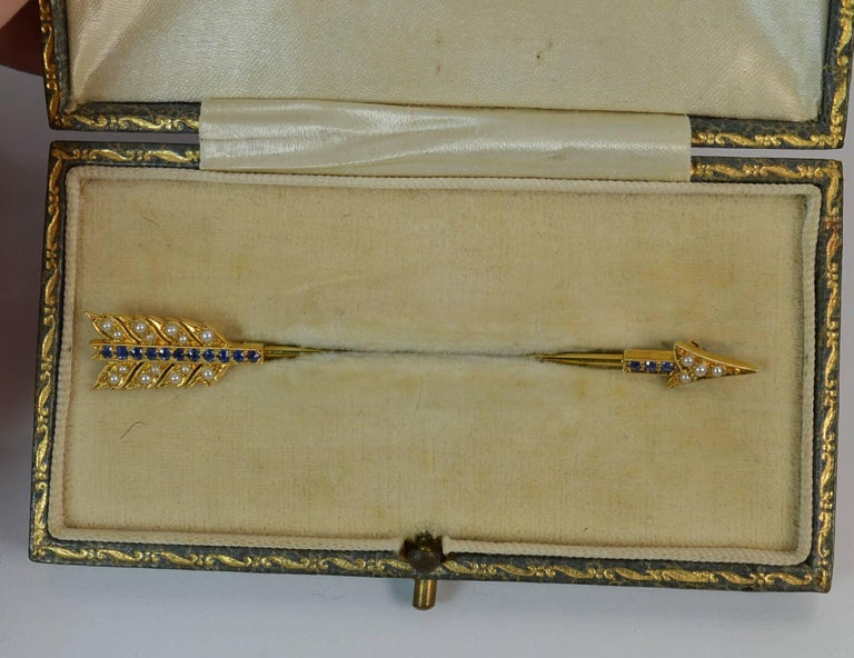 Victorian  15 Carat Gold Sapphire and Pearl Arrow Jabot Pin in Box For Sale