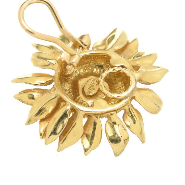 Asprey yellow Gold Sun Flower Earrings worn by Joan Collins 3