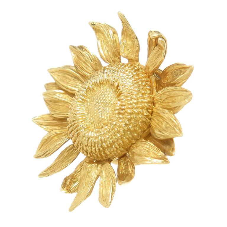 Asprey yellow Gold Sun Flower Earrings worn by Joan Collins 2
