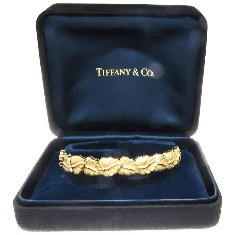 Tiffany & Co. Heavy Yellow Gold Flexible Leaf Bracelet In Excellent Condition In Chicago, IL
