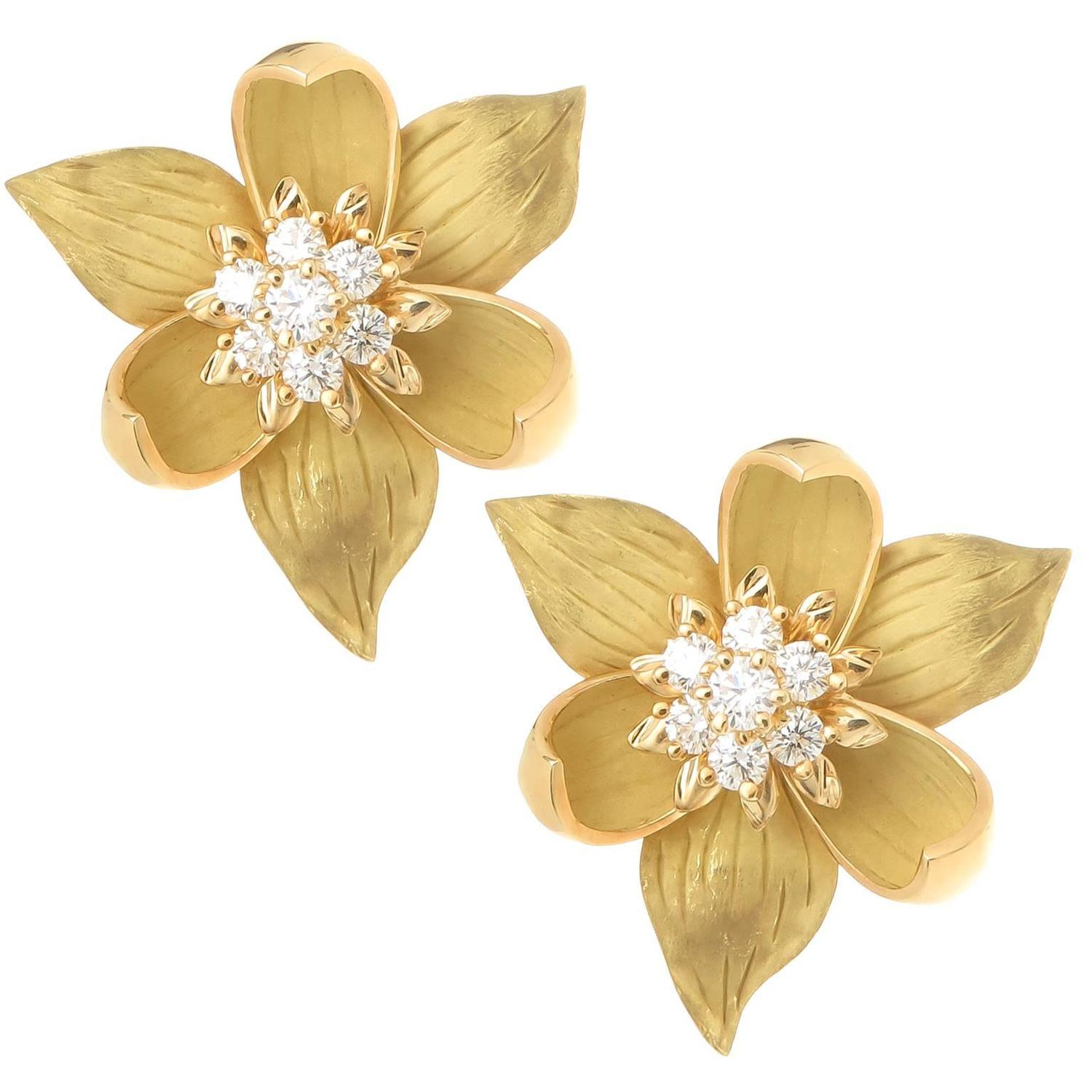Tiffany and Co Diamond Gold Flower Earrings For Sale at 1stdibs