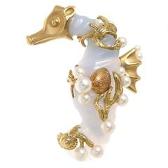 Seaman Schepps Gem Chalcedony  Gold Seahorse Brooch