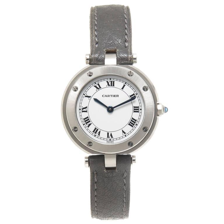 Đồng hồ nữ Cartier bằng thép không rỉ.