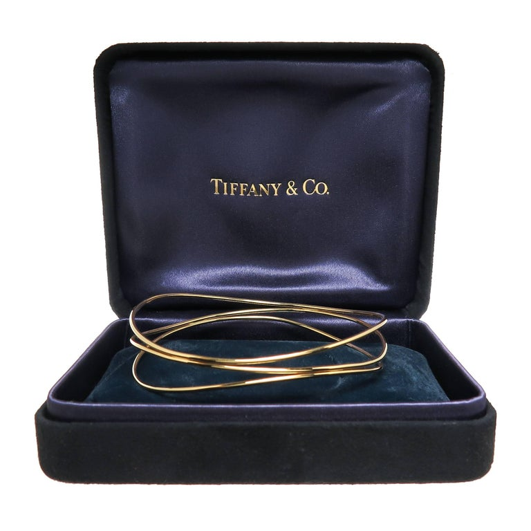 Tiffany & Co. Elsa Peretti Yellow Gold Wave Bracelet In Excellent Condition For Sale In Chicago, IL