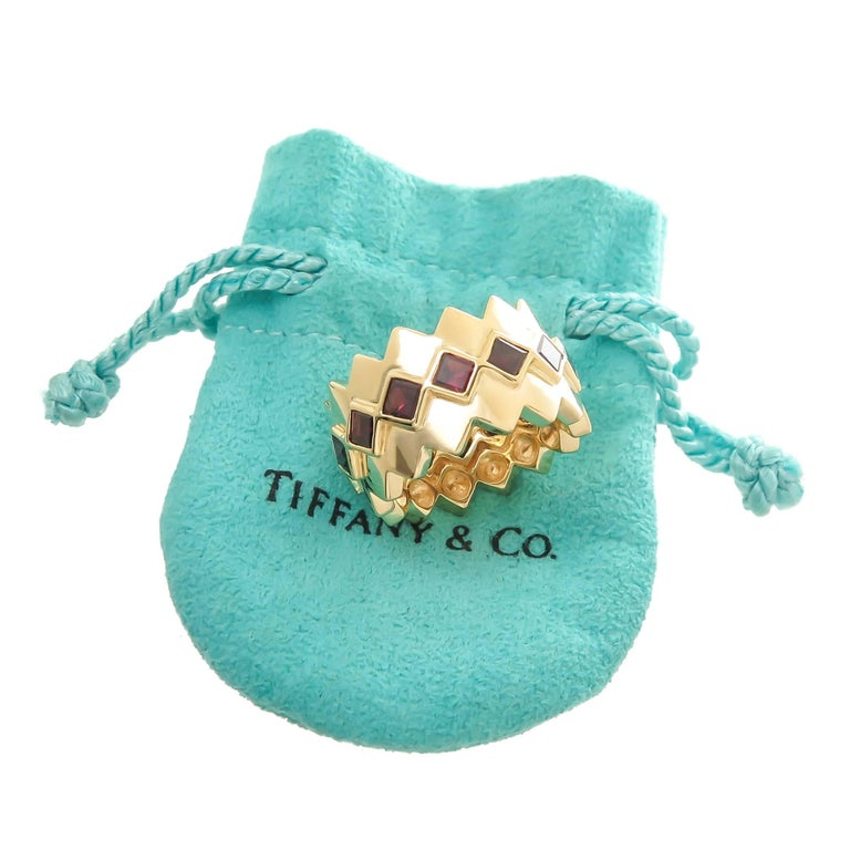 Tiffany & Co. Yellow Gold and Garnet Wide Band Ring In Excellent Condition For Sale In Chicago, IL