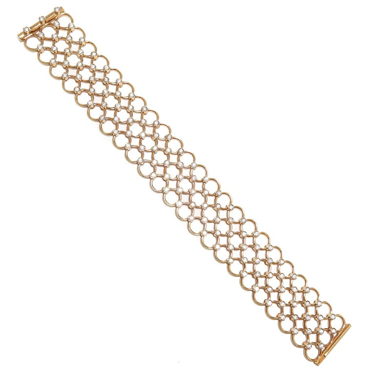 Tiffany & Co. Diamonds and Yellow Gold Circles Link Bracelet In Excellent Condition For Sale In Chicago, IL