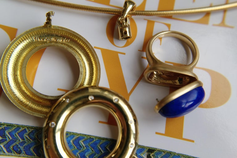 Wendy Brandes Egyptian Mechanical Locket / Poison Lapis Lazuli 18K Gold Ring In New Condition For Sale In New York, NY